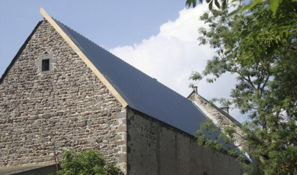 Couverture d'une grange en bac acier Saint-Nectaire