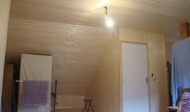 Isolation de comble sous pente et habillage en lambris Saint-Nectaire